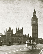 Houses Of Parliament Framed Prints - Vintage Horse and Carriage in London Framed Print by Susan  Schmitz