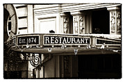 Food And Beverage Photos Prints - Vintage London Print by John Rizzuto
