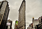 Flatiron Framed Prints - Vintage New York Framed Print by Benjamin Yeager