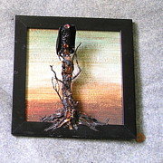 Featured Sculptures - vulture Tree Stump Sunset by Roger Swezey