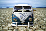 Vw Squareback Framed Prints - VW Safari Flats Framed Print by Steve McKinzie