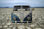 Vw Squareback Framed Prints - VW Safari Mirage Framed Print by Steve McKinzie