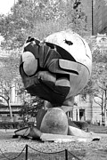 Park Scene Digital Art - W T C FOUNTAIN SPHERE in BLACK AND WHITE by Rob Hans