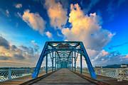 Walnut Street Walking Bridge Print by Steven Llorca