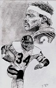 Hall Of Fame Drawings Framed Prints - Walter Payton Framed Print by Jonathan Tooley