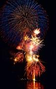 Washington Monument Fireworks 3 Print by Stuart Litoff