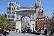 Allen Beatty Art - Washington Square Park by Allen Beatty