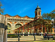 Nick Zelinsky - Welcome to Ellis Island