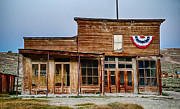 Bodie Photos - Wheaton and Hollis Hotel at Blue Hour by Cat Connor