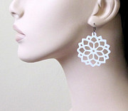 Nature Inspired Jewelry - White Flowers In The Sun Earrings by Rony Bank