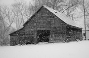 Tennessee Barn Originals - Winter Barn by Hans Castleberg