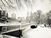 Vivienne Gucwa Framed Prints - Winters Touch - Bow Bridge - Central Park - New York City Framed Print by Vivienne Gucwa