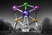 Colour Pop Posters - Xmas Atomium  Poster by Rob Hawkins