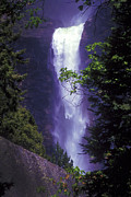 Yosemite Falls Metal Prints - Yosemite Falls at Dawn Metal Print by Paul W Faust -  Impressions of Light