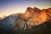 Yosemite Falls Metal Prints - Yosemite Sunset Metal Print by Jane Rix