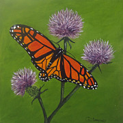 Monarch Butterfly Paintings - Zeroing In by Roseann Gilmore