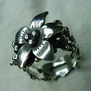 Ring Jewelry -  Silver Flower by Jonatan Kor