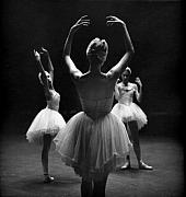 Jesse  Gerstein -   Three Dancers