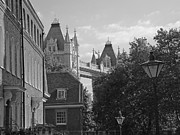 Europe Drawings - A glimpse of the London Bridge by Joseph Hendrix
