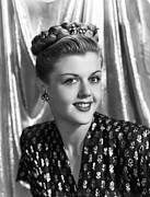 1940s Hairstyles Photos - Angela Lansbury, 1945 by Everett