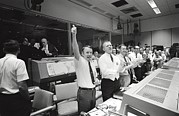 Apollo 13 Flight Directors Applaud Print by Everett