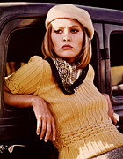 Silk Scarf Prints - Bonnie And Clyde, Faye Dunaway, 1967 Print by Everett