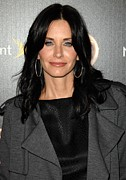 Courteney Cox Posters - Courteney Cox At Arrivals For Tv Guides Poster by Everett