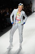 Hightop Prints - Ellen Degeneres In Attendance Print by Everett