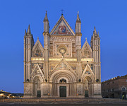 Town Square Framed Prints - Europe Italy Umbria Orvieto Orvieto Framed Print by Rob Tilley