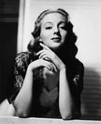 Keyes Posters - Evelyn Keyes, 1939 Poster by Everett