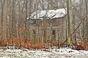 Old Farm House Photos - Forgotten Dreams by Pamela Baker