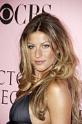Gisele Bundchen Framed Prints - Gisele Bundchen At Arrivals For The Framed Print by Everett