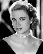 Colbw Photo Framed Prints - Grace Kelly, 1953 Framed Print by Everett