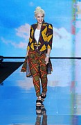 Ethnic Print Framed Prints - Gwen Stefani On The Runway For L.a.m.b Framed Print by Everett