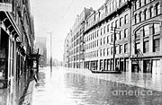River Flooding Framed Prints - Hudson River Flood, 1913 Framed Print by Science Source