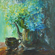 Silver Tea Pot Paintings - Hydrangea 2 by Gloria Turner