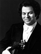 1980s Portraits Framed Prints - Itzhak Perlman, Ca. 1980s Framed Print by Everett