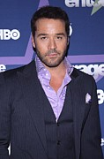 Jeremy Prints - Jeremy Piven At Arrivals For Entourage Print by Everett