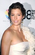 White Dress Prints - Jessica Biel Wearing A Giambattista Print by Everett