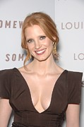 Jessica Chastain Framed Prints - Jessica Chastain At Arrivals Framed Print by Everett