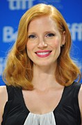 Pink Lipstick Photo Framed Prints - Jessica Chastain At The Press Framed Print by Everett