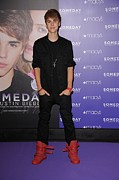 Full-length Portrait Metal Prints - Justin Bieber At In-store Appearance Metal Print by Everett