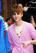 Justin Bieber At Talk Show Appearance Print by Everett