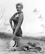 Kneeling Prints - Kim Novak, Columbia Pictures, 1956 Print by Everett