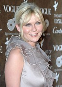 2000s Hairstyles Prints - Kirsten Dunst Wearing A Valentino Gown Print by Everett