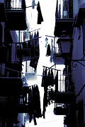 Silhouette Art - Laundry by Joana Kruse
