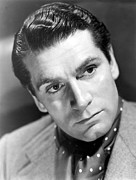 Olivier Framed Prints - Laurence Olivier, 1940 Framed Print by Everett