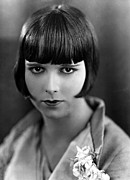 1920s Portraits Posters - Louise Brooks, Late 1920s Poster by Everett