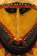 Seeing Art - Maori Mask New Zealand by Bob Christopher