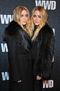 Long Street Prints - Mary Kate Olsen, Ashley Olsen Print by Everett